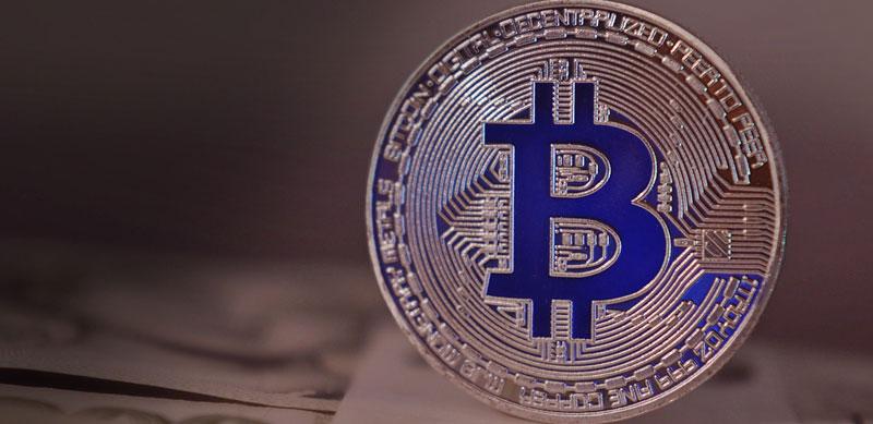 ビットコイン再び急騰、100万円迫る展開に